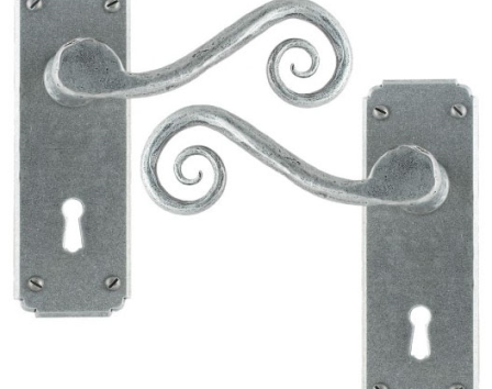 Pewter Monkeytail Lever Lock Set
